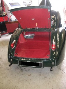XK140 Finished boot area