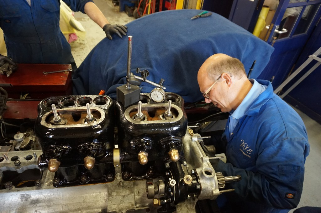 Setting the valve timing