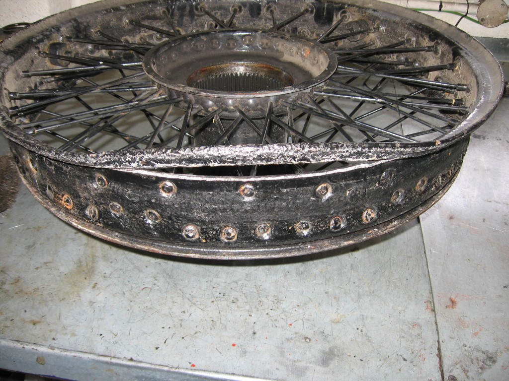 During routine servicing we discovered a split in the wheel rim